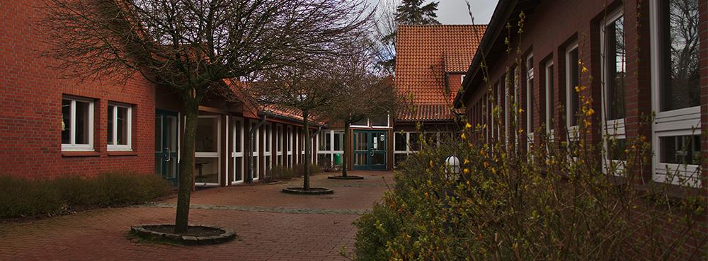 Innenhof der Grundschule Huntlosen